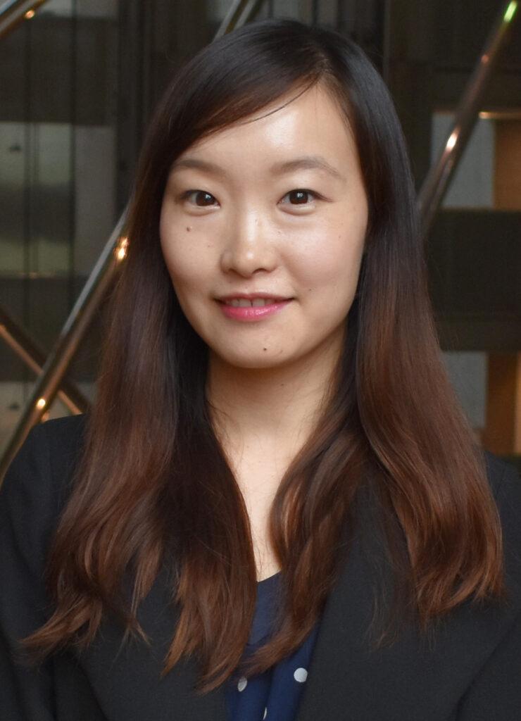 Amy Zhang Headshot